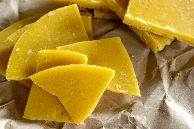 自然の美しさとdiy preojectのための黄色の天然の蜜蝋。