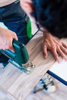 Diy 작업자 절단 나무 패널, 퍼즐
