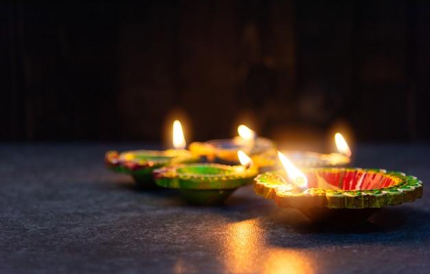 Diya 또는 오일 램프