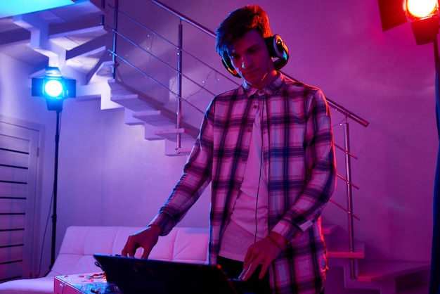 Dj on new year party in house