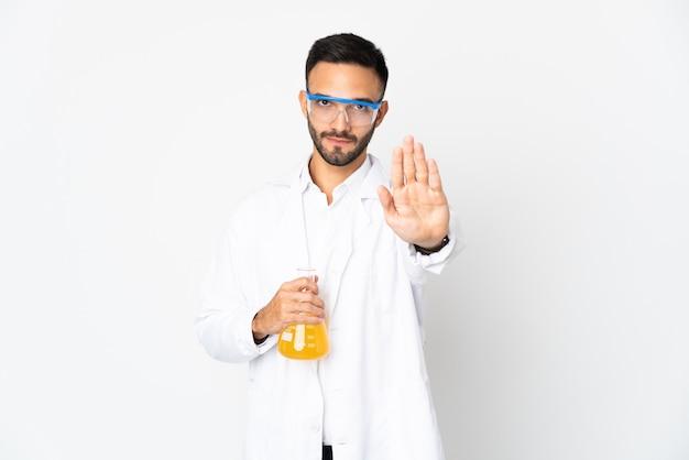 격리 된 배경 위에 의사