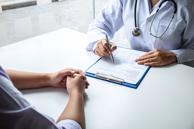 Doctor and patient are discussing consultation about symptom