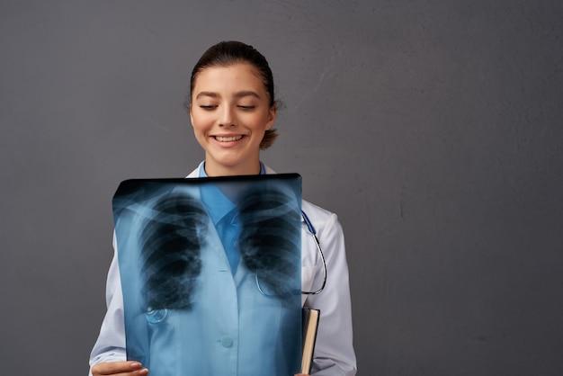 放射線科医のx線研究専門家