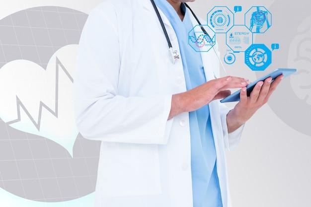 의사는 태블릿을 검토