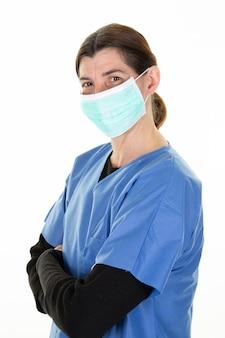 外科服を着た医師