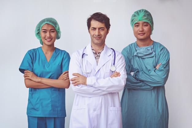 Профессиональное положение врачей и медсестер