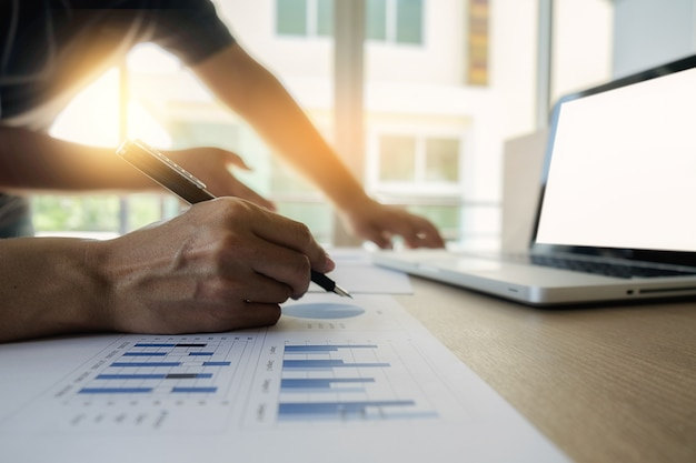 Documents confidence pointing paper graphs financial