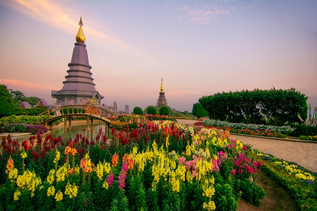 Пагода ориентир ориентира в национальном парке doi inthanon на чиангмае, таиланде.