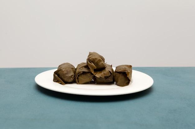 ドルマぶどうの葉の詰め物とご飯