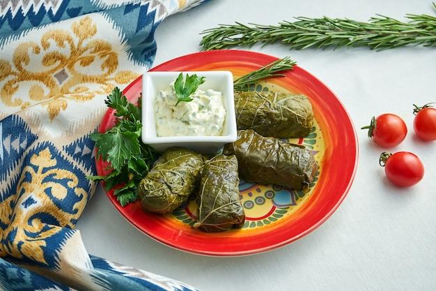 ドルマは国の白人料理です