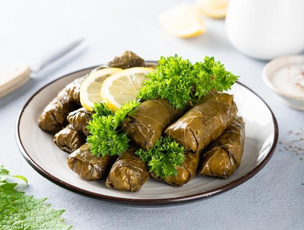 Долма, традиционная кавказская, турецкая и греческая кухня