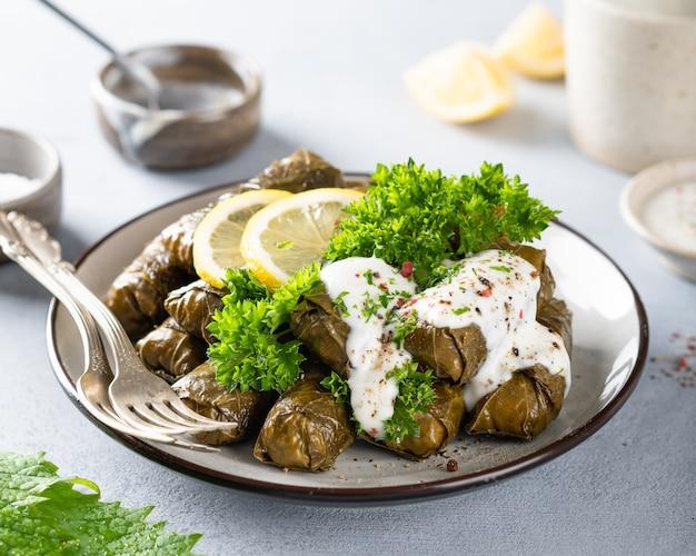 ドルマ、伝統的な白人、トルコ、ギリシャ料理