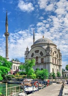 이스탄불, 터키의 돌마 바흐 체 모스크