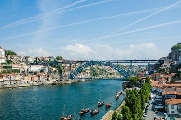 ポルト、ポルトガルのdom luis橋