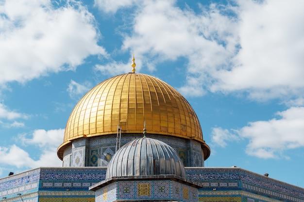 Dome of the rock al-aqsa mosque old city of jerusalempalestine