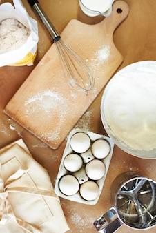 Домашняя кухня и ингредиенты для выпечки