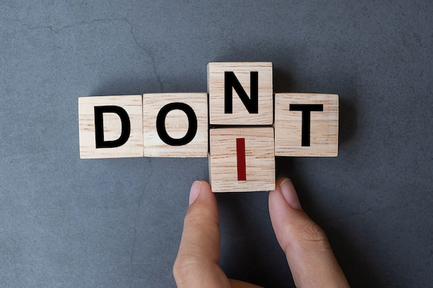 Don t to do it word on table background.