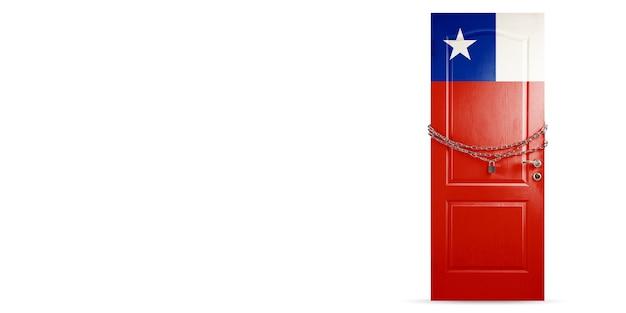 Дверь окрашена в национальный флаг чили и заблокирована цепочкой стран во время коронавируса