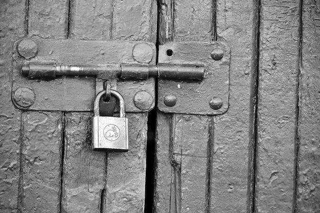 Door hdr blackandwhite lock handmade