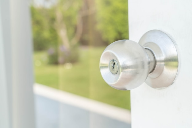 Door knobs or aluminum door