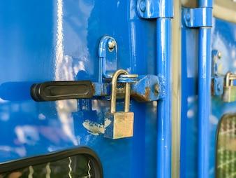 Door lock of the blue container truck
