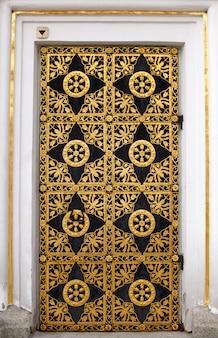 Door, pechersk lavra monastery, kiev