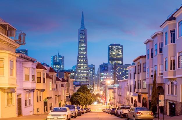 미국에서 황혼에 샌프란시스코의 시내 지역