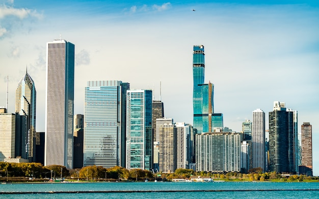 Downtown chicago skyline at lake michigan. united states