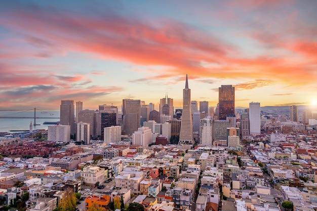 해질녘 미국에서 시내 도시 스카이 라인 샌프란시스코 도시 풍경