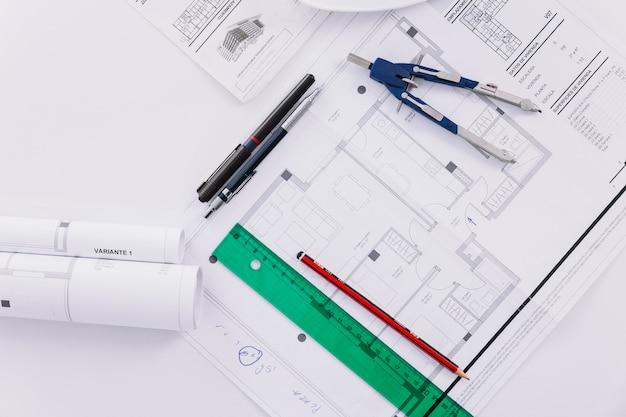Инструменты для рисования и чертежи