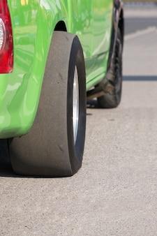 Перетащите скользкие шины