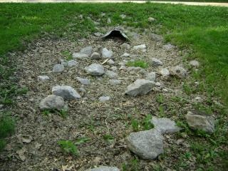 Drainage, rocks