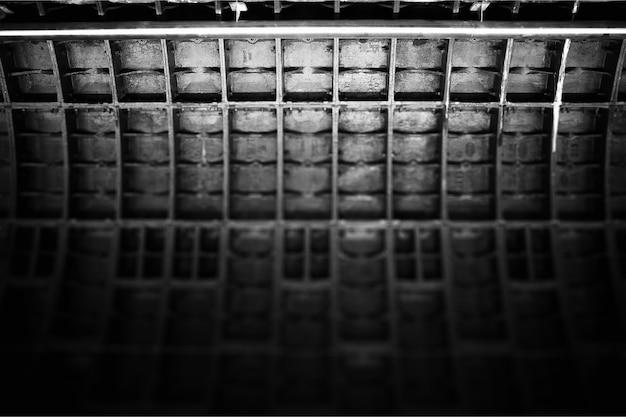 Драматический черно-белый туннель метро текстуры фона