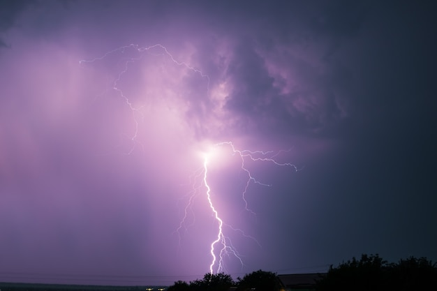 A dramatic bolt of branching lightning