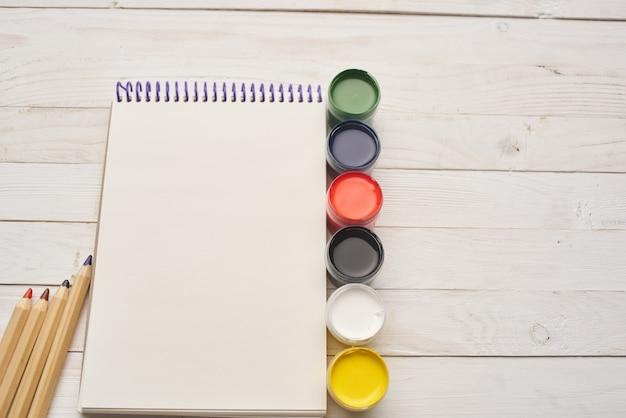 描画パッド水彩絵の具アーティストのための鉛筆ツール