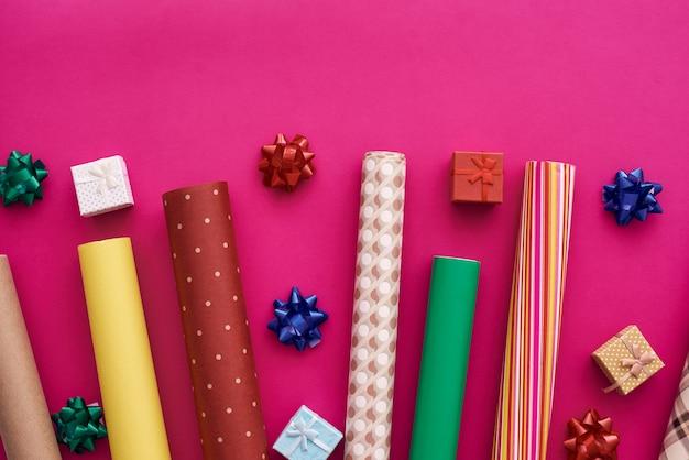 밝고 아름다운 선물 포장지로 선물을 꾸며보세요