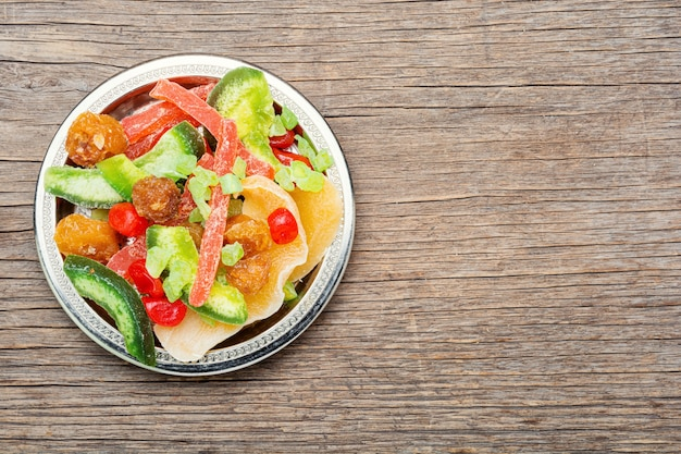 말린 과일과 설탕에 절인 과일