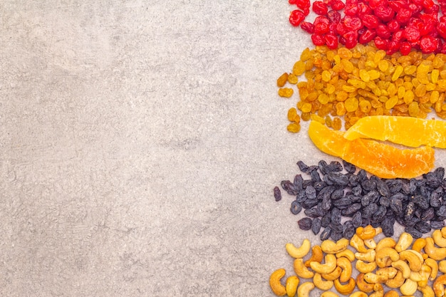 Dried and candied fruit and cashew nuts