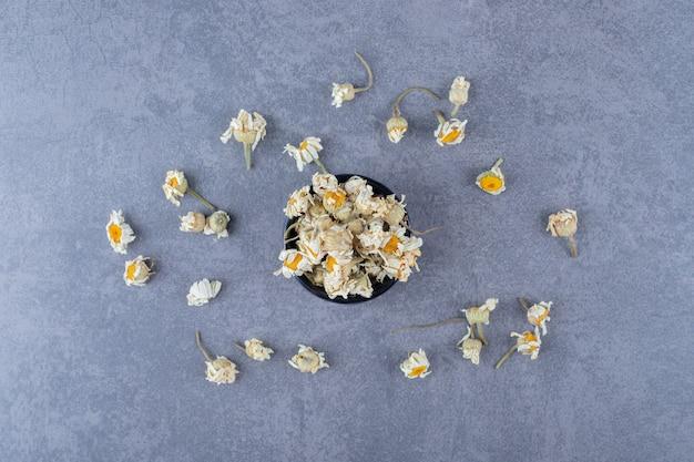 乾燥したカモミールの花