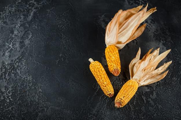 Dried corn on cobs