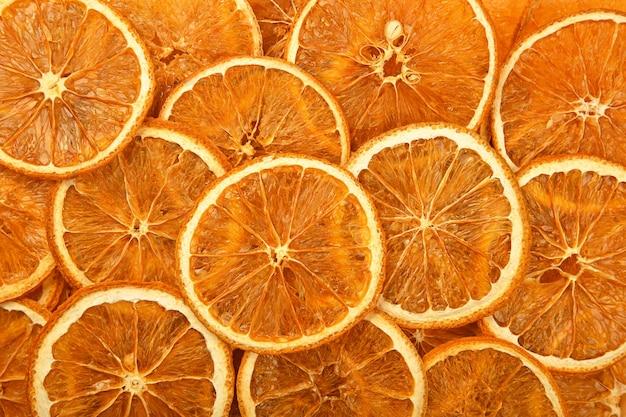 乾燥したクリスピーオレンジリングチップスの食感
