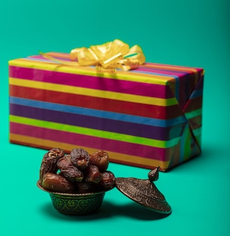 Dried dates with gift box