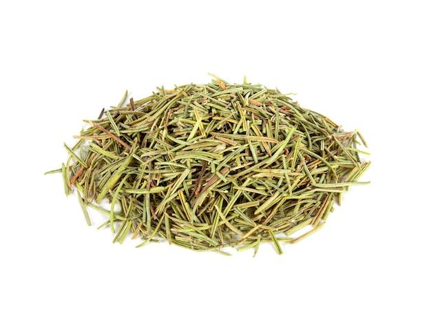 Сушеные травы листьев розмарина на белом