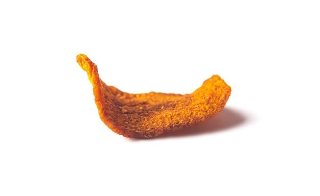 그림자로 분리된 말린 유기농 당근 칩
