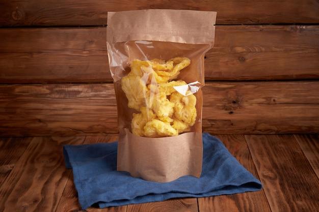 クラフトエコパッケージの乾燥パイナップル