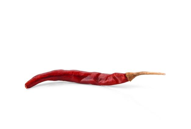 白い背景で分離された乾燥赤唐辛子。