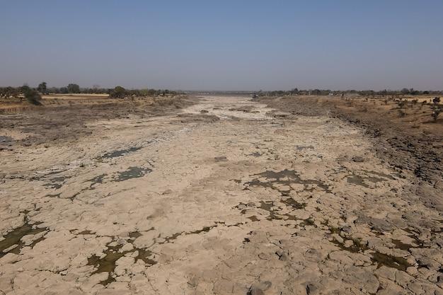 Высохшая река в индии