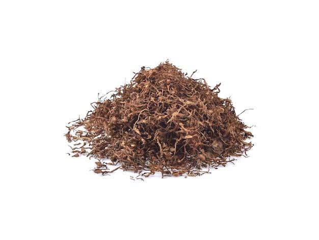 白い背景で隔離の乾燥タバコ