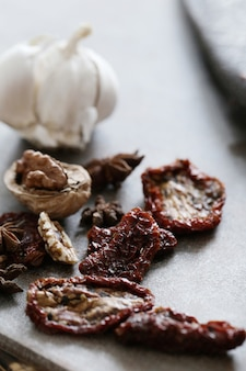 Dried tomato and garlic