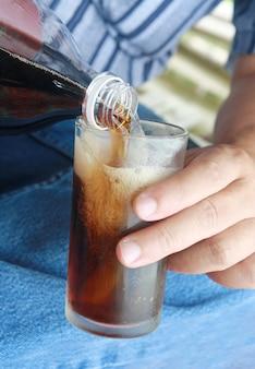Пить колу